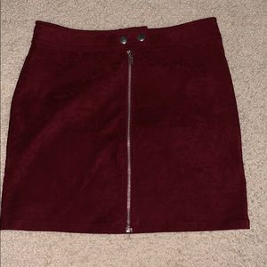 kendall and kylie maroon skirt